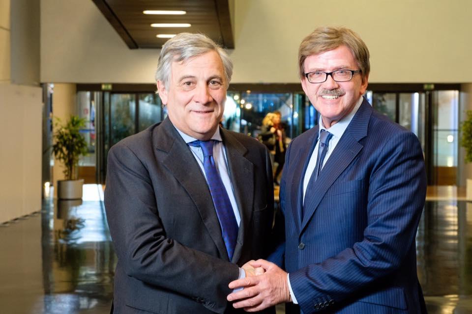 Thomas Mann mit dem EP-Präsident Antonio Tajani